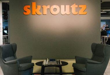 Skroutz: Αυξημένη κίνηση στις online αγορές